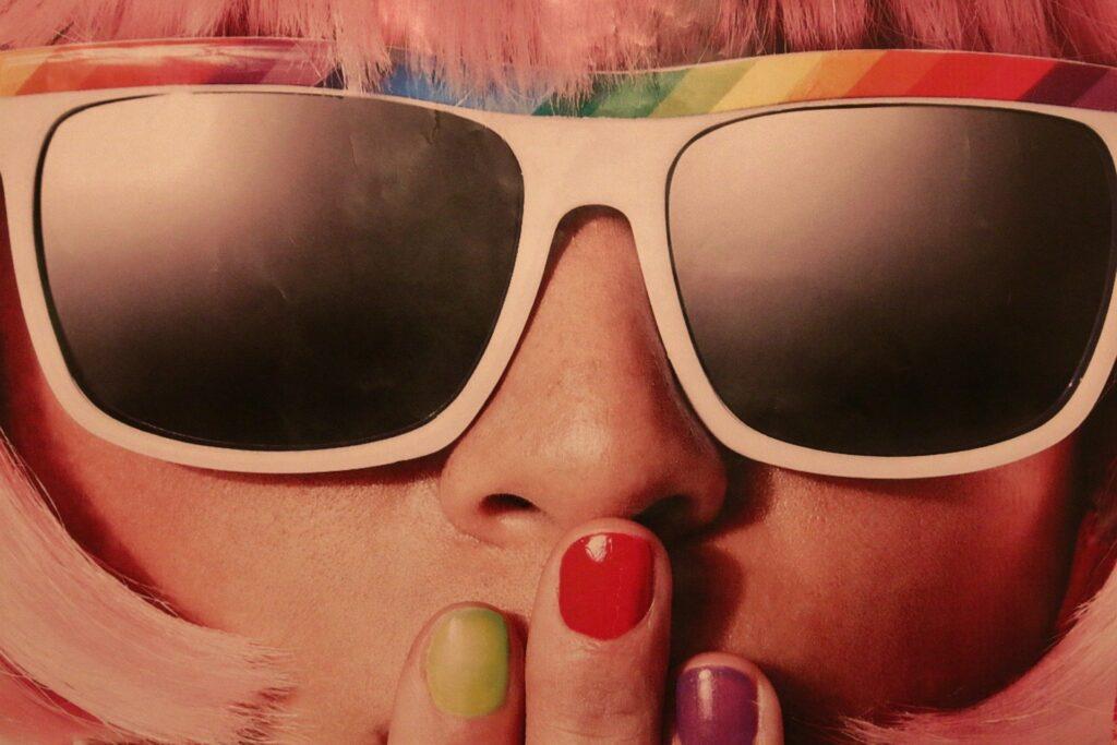 Come scegliere gli occhiali da sole in base alla forma del viso
